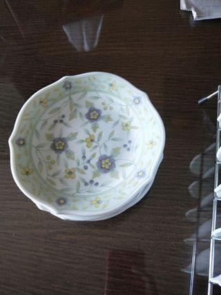 🚚 Desert plates and bowls set