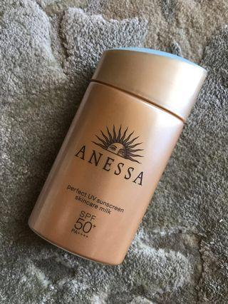 🚚 Anessa perfect UV sunscreen skincare milk SPF50+ PA++++