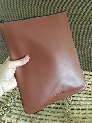 Ready stock: Cole Haan X American Airlines Leather Toiletries bag tablet case