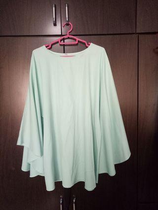 🚚 Light green top