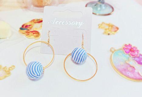 清新藍色條紋不對稱耳環