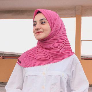 Jilbab segi empat plisket pink