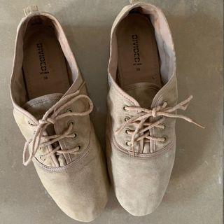 Sepatu H&M Divided Shoes