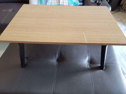 Mini table /sofa table / bed table