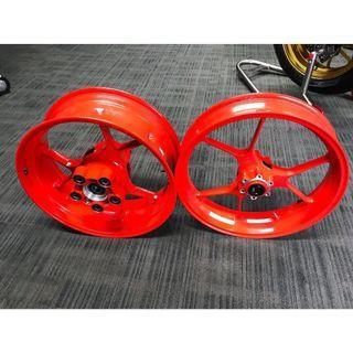 MOTORBIKE RIM SPRAY PAINT