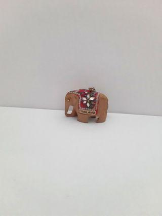 Thailand wooden elephant souvenir keychain set