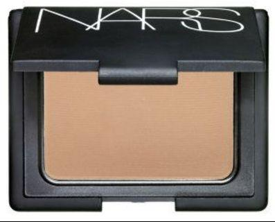 NARS Pressed Powder in Desert