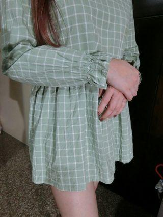 🚚 淺綠格子娃娃裝