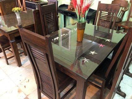 Classic Dining table set