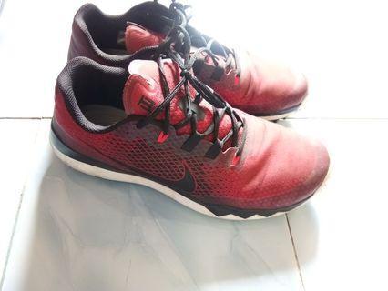 Sepatu Pria Nike Golf