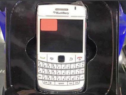 [WTS] ‼️ Blackberry Bold 9700 - White