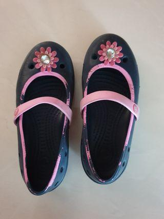 🚚 Crocs Shoes - Size 12 for Girls