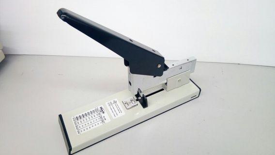 Stapler (heavy duty 240)