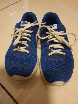 Preloved Nike Running Shoes