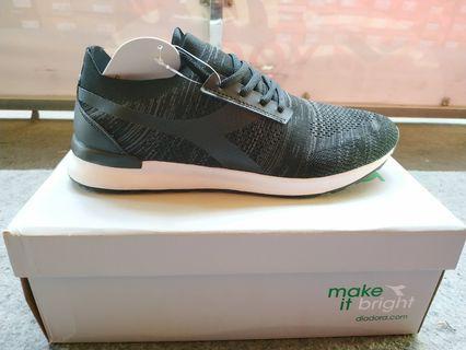Jual sepatu diadora running