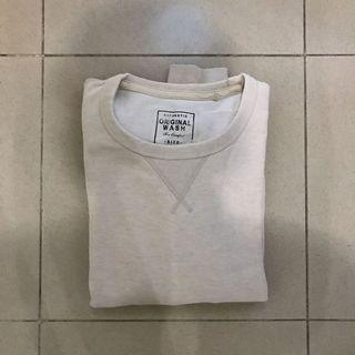 uniqlo sweater cream sz M