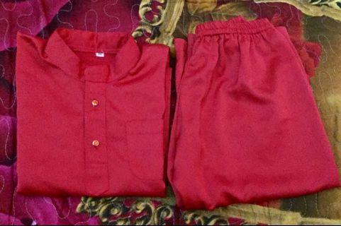 Baju melayu merah .saiz. 2 , 3tahun like new boleh buat raya. ( free postage)