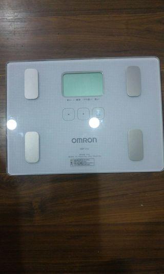 🚚 OMRON HBF-216體重脂計