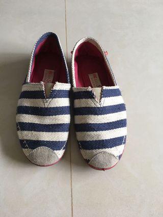 🚚 英國海軍風懶人鞋38號