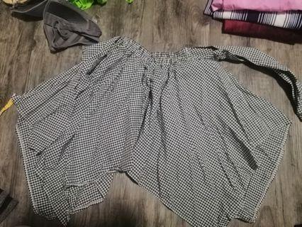 🚚 Checkered skirt