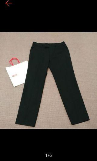🚚 日本 UNIQLO 型男必備 經典黑 西裝褲 西褲 近全新
