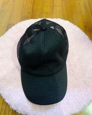 🚚 BASIC BLACK CAP