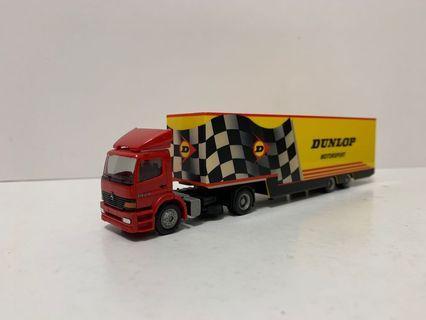 Herpa 1/87 平治拖頭+Dunlop Motorsport 貨架