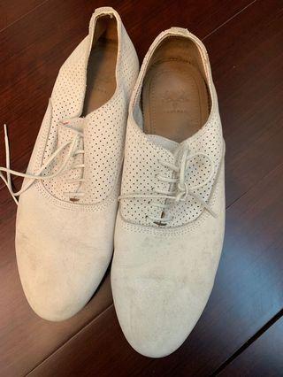 🚚 Zara 米白色男生休閒正式兩用鞋