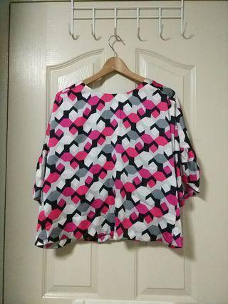 Plus Size blouse (retro prints) (UK18)