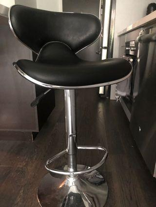 Bar stools blacks 50$ each