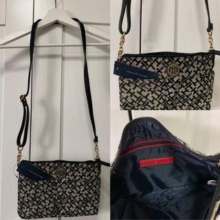 🚚 Aunthentic Tommy Hilfiger Sling Bag from USA