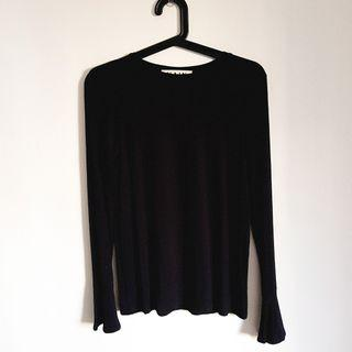 🚚 Nain black bell sleeve top