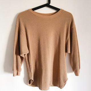 🚚 Uniqlo brown sweater