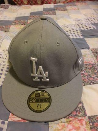 Cap ( bought in USA) New Era 90%new
