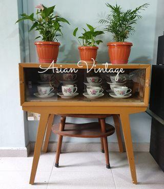 Vintage Formica Top Display Table