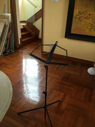 Music notes stand