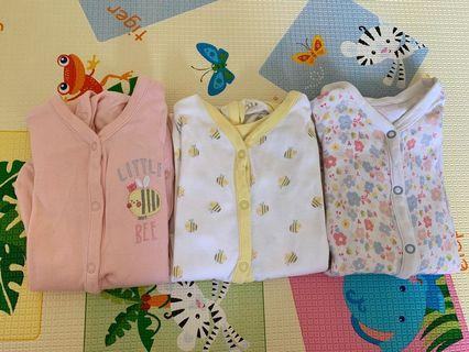 🚚 Mothercare sleepsuit (6-9 months)