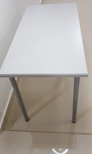 IKEA Table, brand new.