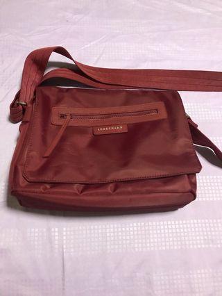 🚚 original longchamp sling bag
