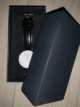 🚚 Daniel Wellington Watch Classic Shaffield 36mm