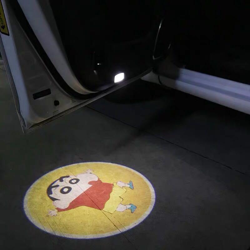 蠟筆小生 開車門時有燈投射係地上 有意pm