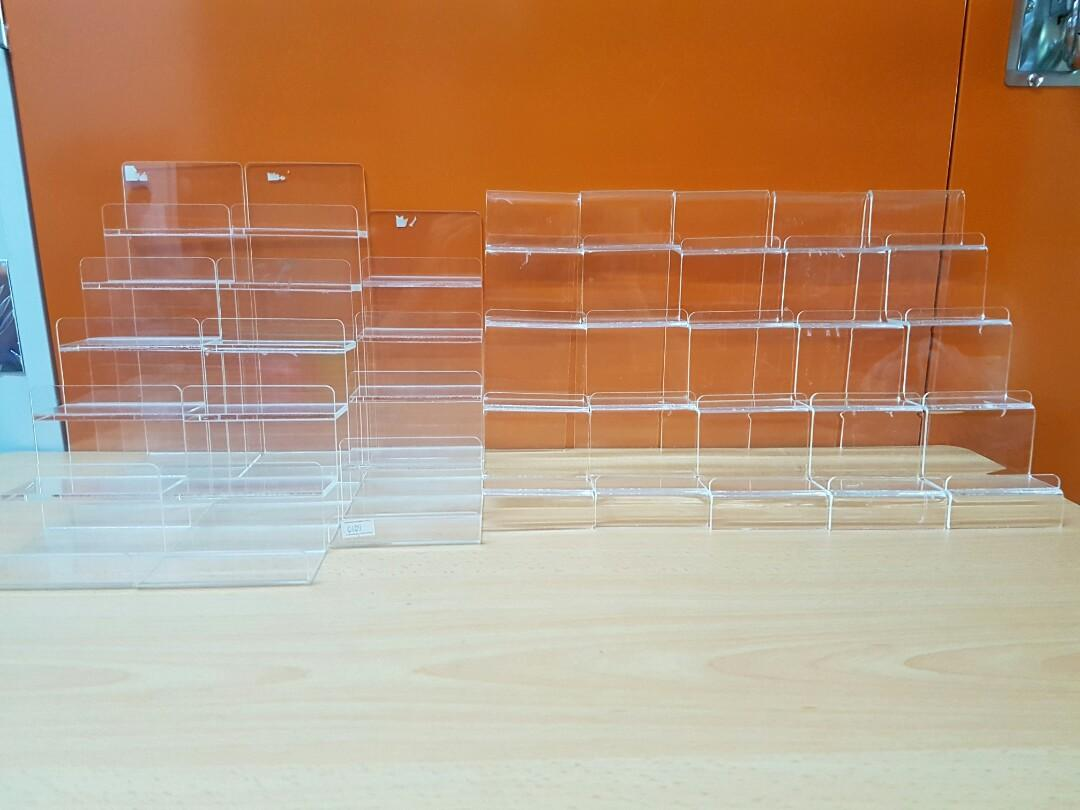 Acrylic Ladder Wallet Rack
