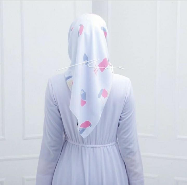 Almira Hijab Segi 4