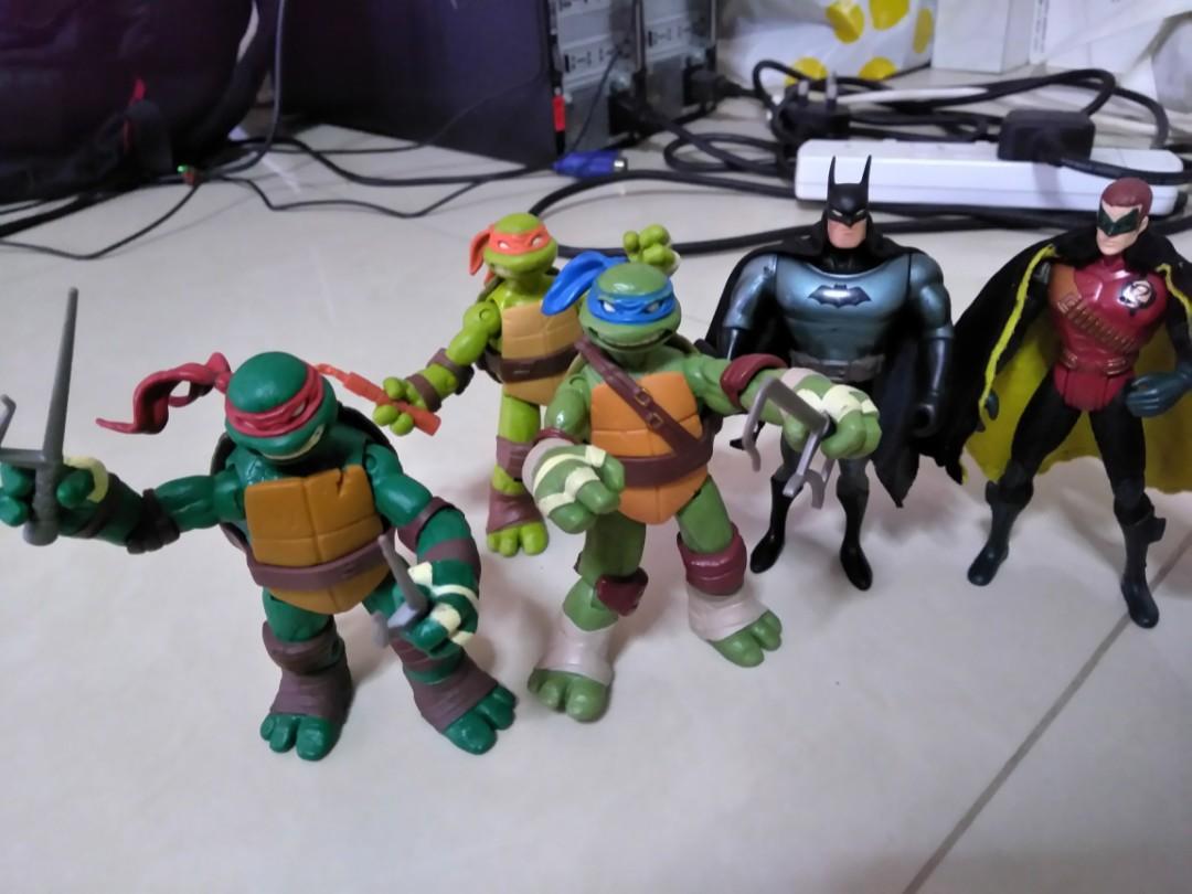 Batman Versus Teenage Mutant Ninja Turtles Tmnt Toys Games Bricks Figurines On Carousell