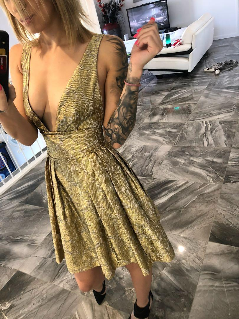 BNWT Sheike gold dress Size 8