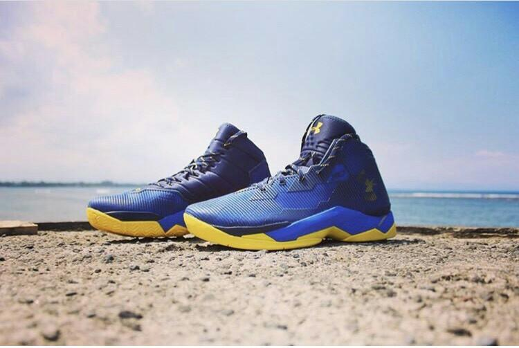 Curry 2.5 Under Armour Shoes, rare !