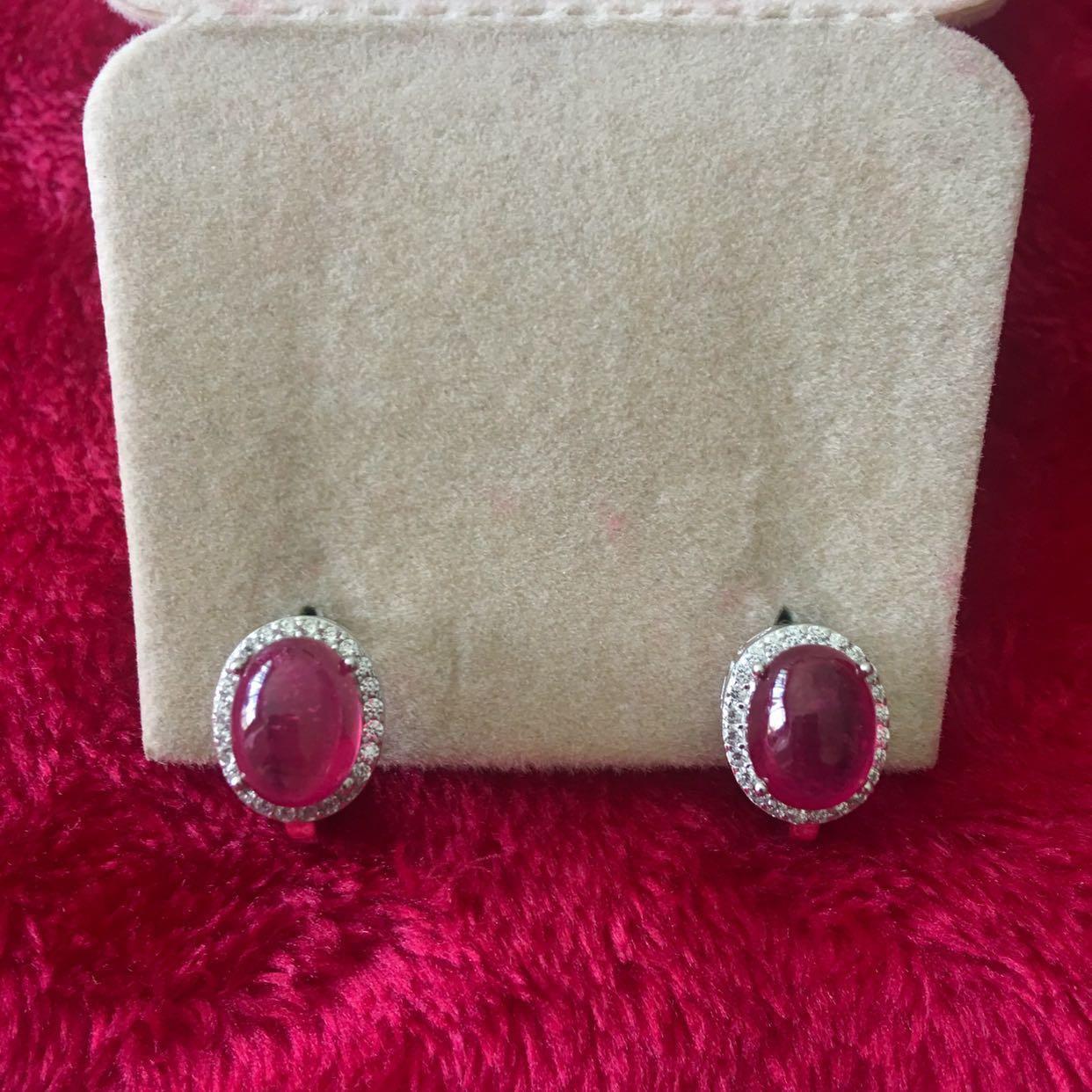 DAINTY!! Oval cabochon Ruby earrings