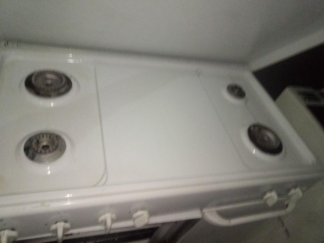 Dijual stove 4 tungku Modena dan cooker hood