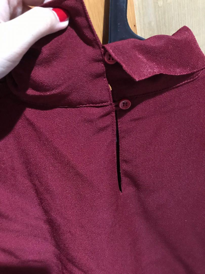 Leher crop merah