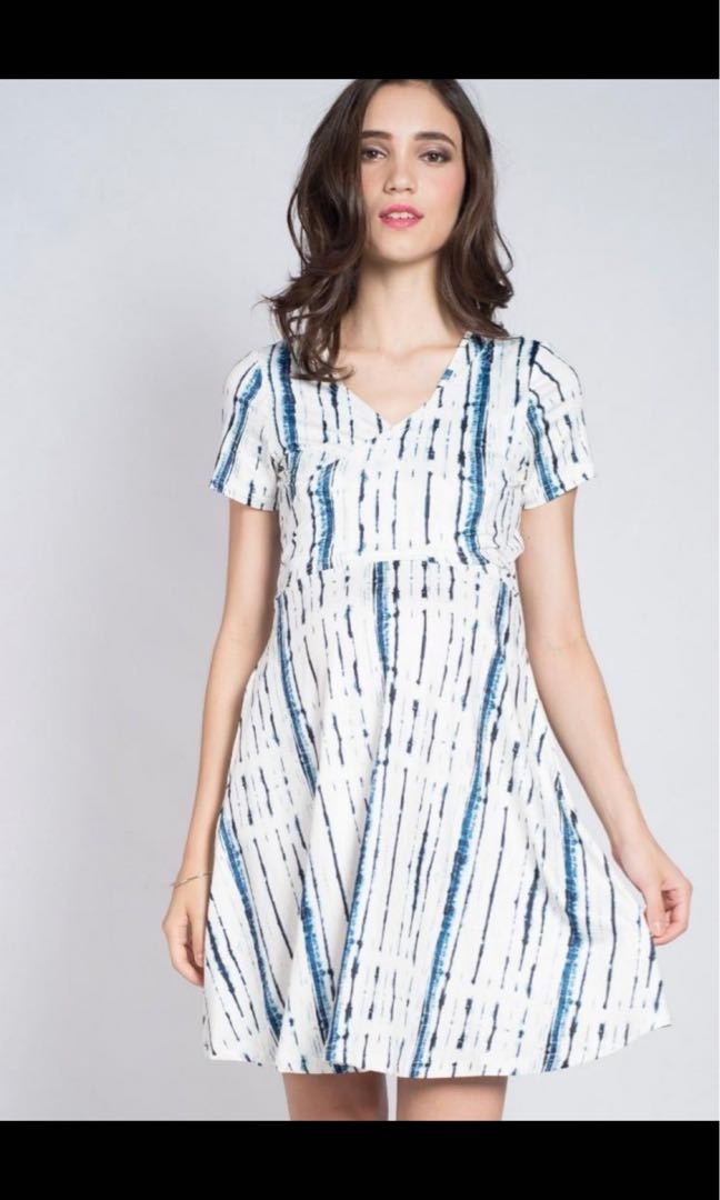 9ca8d3f830a15 Mothercot Jump Eat Cry Wrap Nursing Dress, Women's Fashion, Clothes,  Dresses & Skirts on Carousell